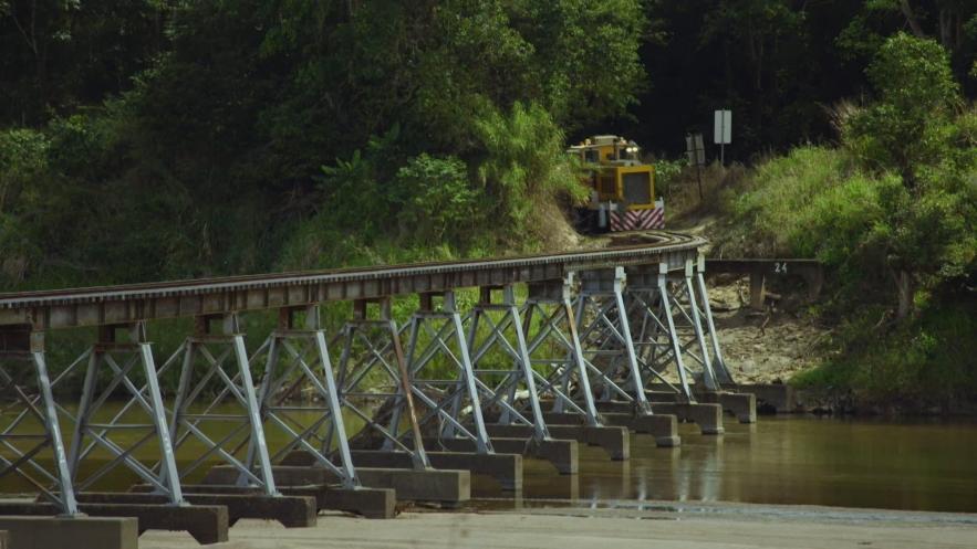 AUSTRALIE : LE TRAIN DE CANNE A SUCRE